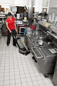 Bodenreinigung in der Großküche